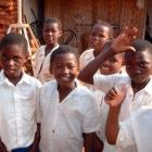 タンザニア 2004.5watoto01